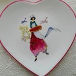 assiette coeur  aux fraises  -(vendue)